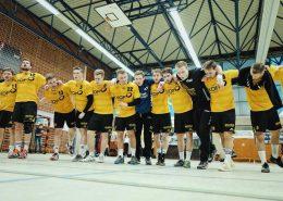 Die Weinstädter Jungs feiern ihren Derbysieg bei der SG Schorndorf. Bild: RZ Photographie
