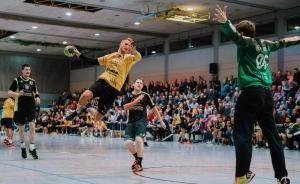 Christoph Köngeter freut sich auf das Derby in Oeffingen. Foto: RZ Photographie