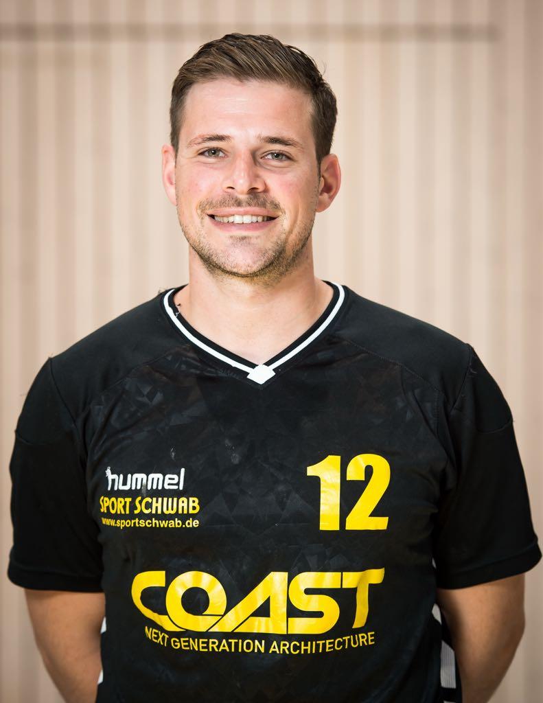 Der verletzte Sebastian Striebich drückt seinem Team in den entscheidenden Wochen die Daumen.